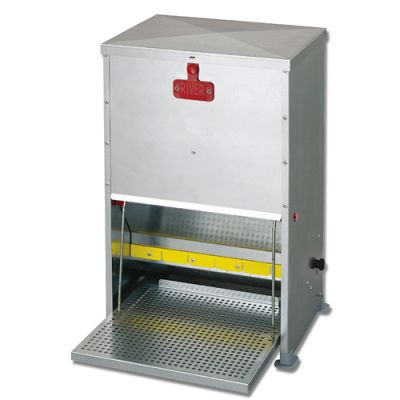 Supreme Treadle Feeder 12kg